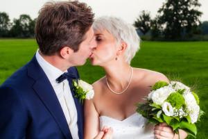 Hochzeitsfoto mit Brautpaar